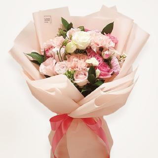 분홍장미계절꽃다발